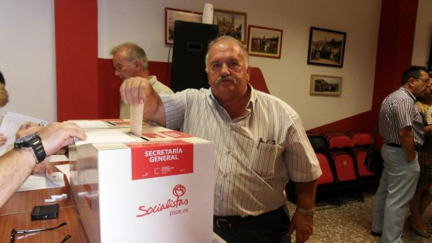 Un concejal del PSOE en Antequera reconoce que la Junta 'enchufó' como ingeniero a su padre sin serlo