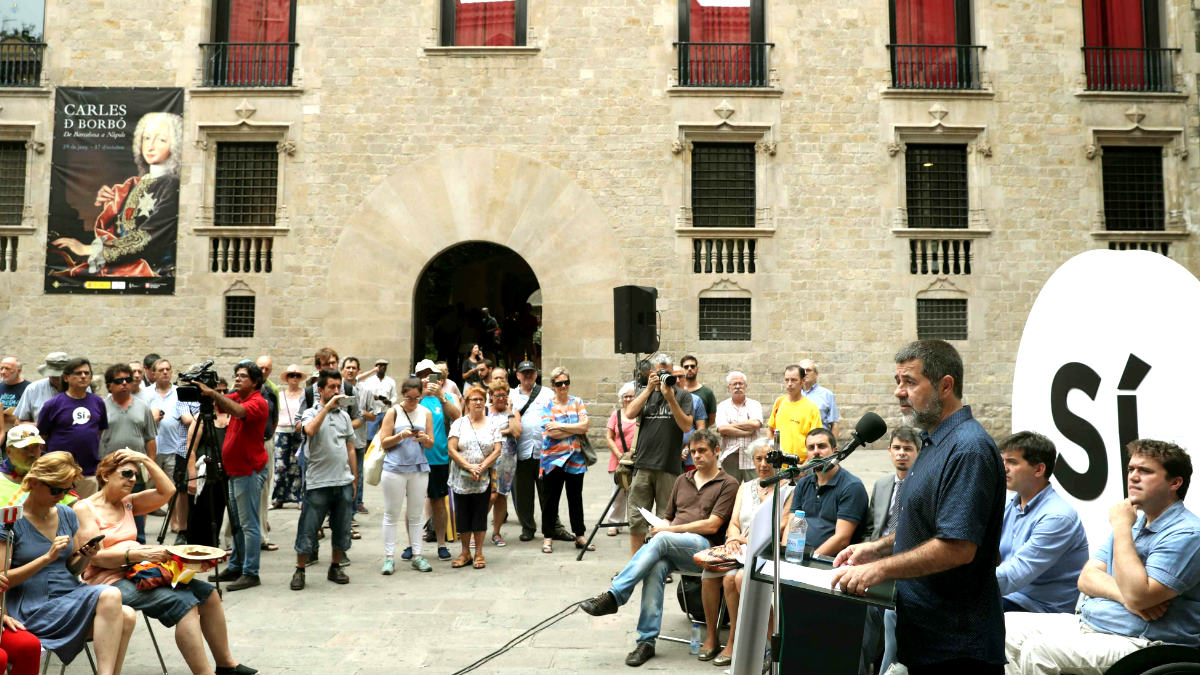 El presidente de la ANC, Jordi Sánchez, presentando la campaña del referéndum ilegal (Foto: Efe).