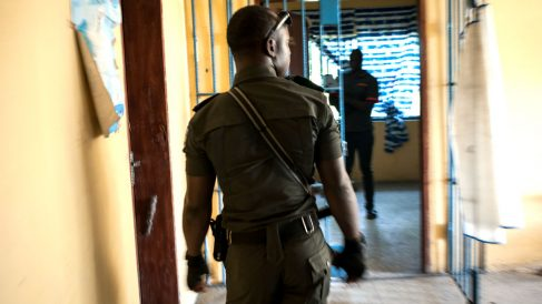 Imagen de un policía nigeriano (Foto: AFP).