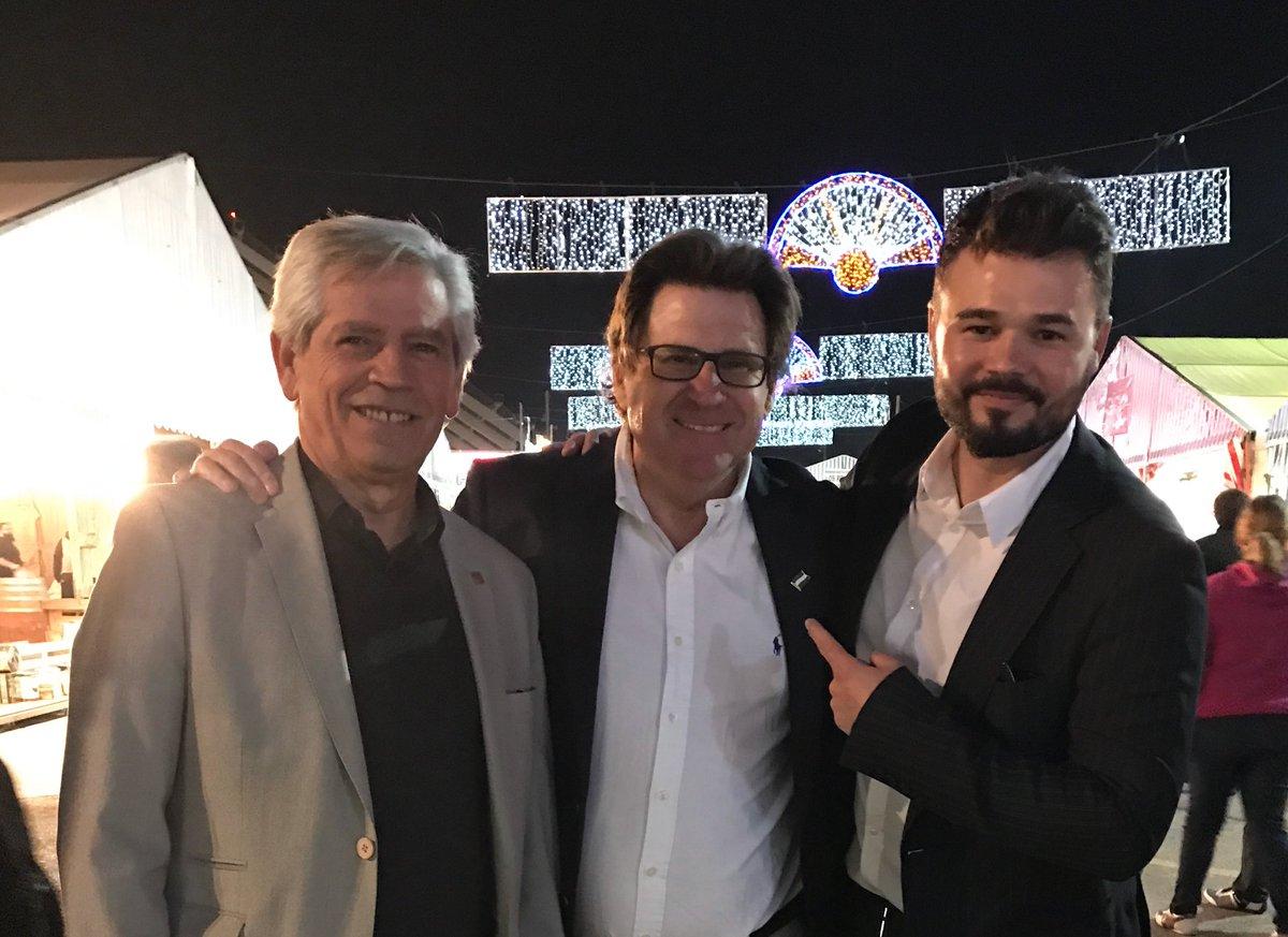 Pedro Ignacio Altamirano (en el centro) con Gabriel Rufián (Foto:Twitter)