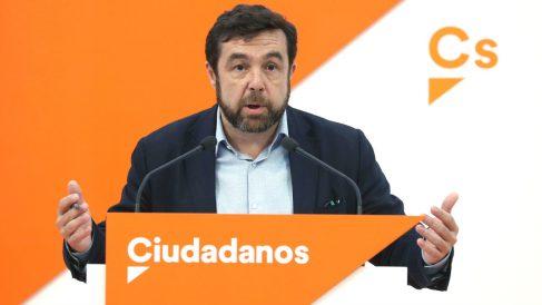 El secretario general del grupo parlamentario de Ciudadanos, Miguel Gutiérrez. (Foto: EFE)