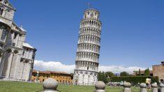 A pesar de lo que muchos piensan, la Torre de Pisa no es la más inclinada del mundo.