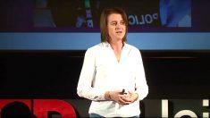 La coordinadora de políticas LGTBI en Podem Cataluña, Marta Reina izquiano.