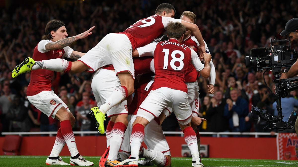 El Arsenal celebra la remontada al Leicester. (Getty)