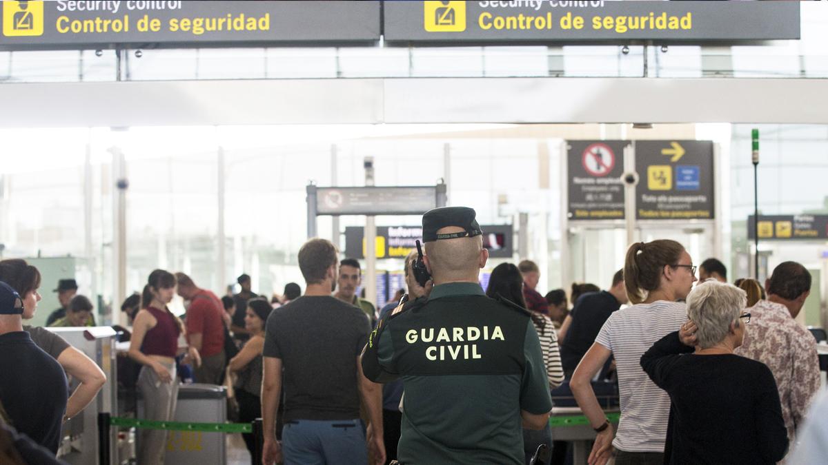 Aeropuerto de El Prat. (Foto: EFE)