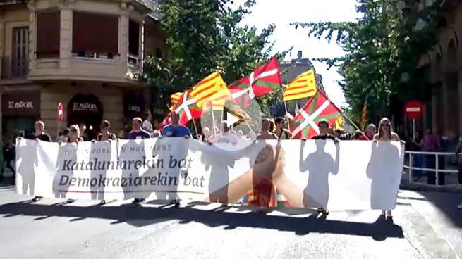 Los proetarras de Bildu lideran una manifestación en San Sebastián para apoyar el secesionismo catalán