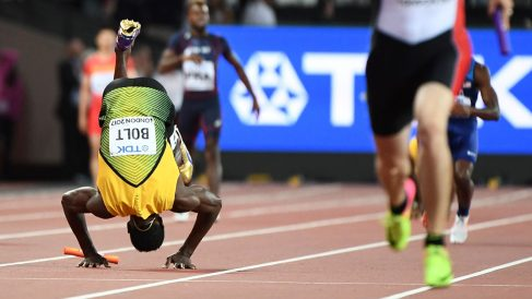 Usain Bolt en la final del 4×100 en Londres (Foto: AFP)