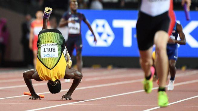 Triste despedida para el más grande de la historia: Bolt se lesiona en su última carrera