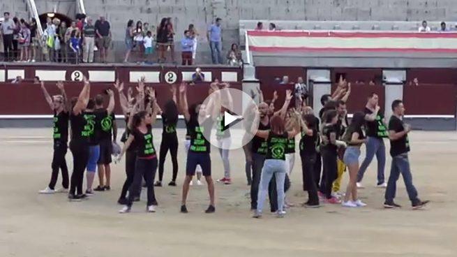 Detenidos 29 antitaurinos que saltaron al ruedo de Las Ventas