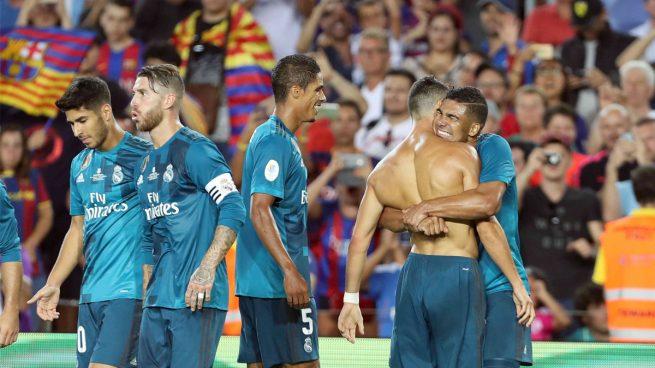 Cristiano Ronaldo celebra su gol en el Camp Nou en la Supercopa de España