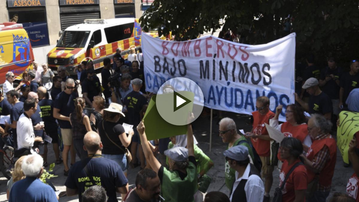 Manifestación de los bomberos contra Carmena. (Foto: Twitter)