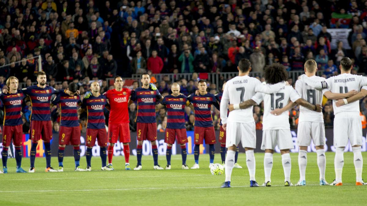 Minuto de silencio en la previa de un Clásico disputado en el Camp Nou. (Getty)