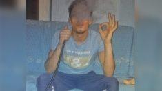 Driss Oukabir, en una foto de sus redes sociales, fumando una cachimba.