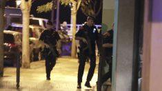 LOS MOSSOS ABATEN A 4 TERRORISTAS EN CAMBRILS