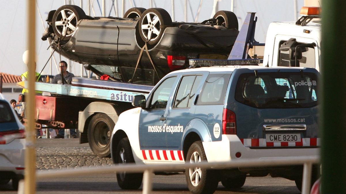 Retiran el Audi propiedad de Mohamed Aallaa, utilizado por los cinco terroristas de Cambrils.