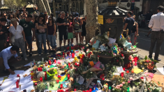 La Fuente de Canaletas fue uno de los altares improvisados en Barcelona.