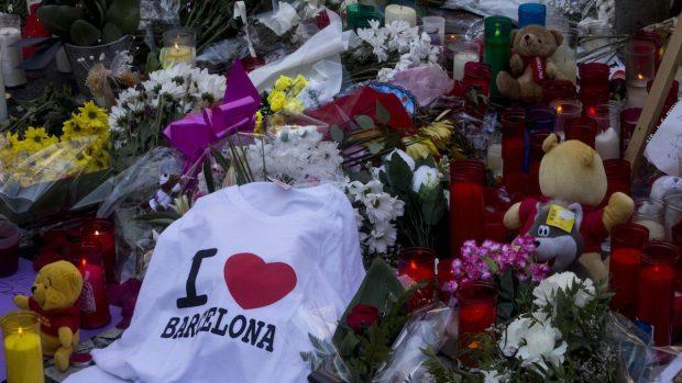 Homenaje a las víctimas del atentado en las Ramblas (Foto: Efe).