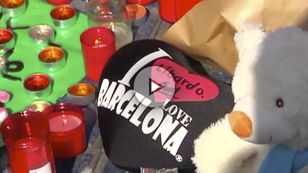 Homenaje a las víctimas en la fuente de Canaletas (Barcelona).