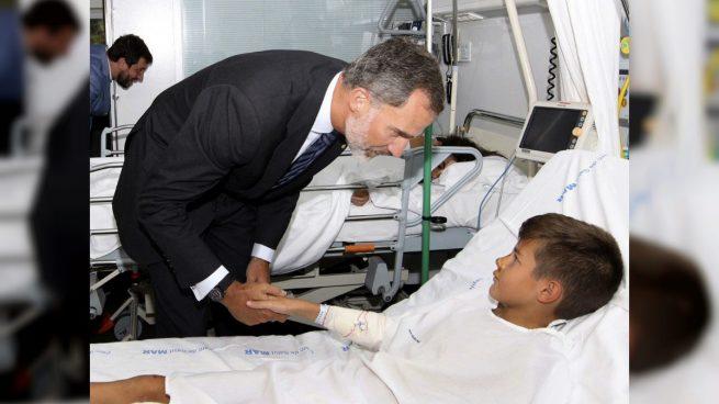 """Felipe VI a la puerta del Hospital Sant Pau: """"No tenemos miedo ni lo tendremos en el futuro"""""""