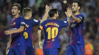 Los jugadores culés portaron el nombre de Barcelona en su camiseta. (AFP)