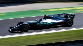 La apuesta de Mercedes de dar libertad a sus pilotos en la lucha por el mundial de Fórmula 1 les sitúa en una posición de desventaja respecto a Ferrari. (Getty)