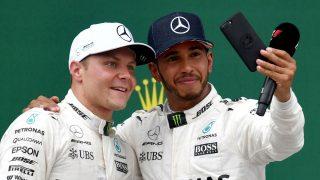 La armonía existente entre Lewis Hamilton y Valtteri Bottas ha facilitado mucho el trabajo de Mercedes esta temporada. (Getty)