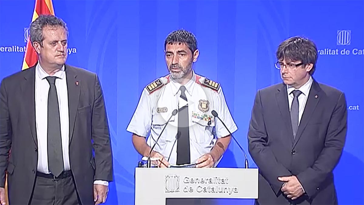 Forn, Trapero y Puigdemont en una foto del pasado mes de agosto.