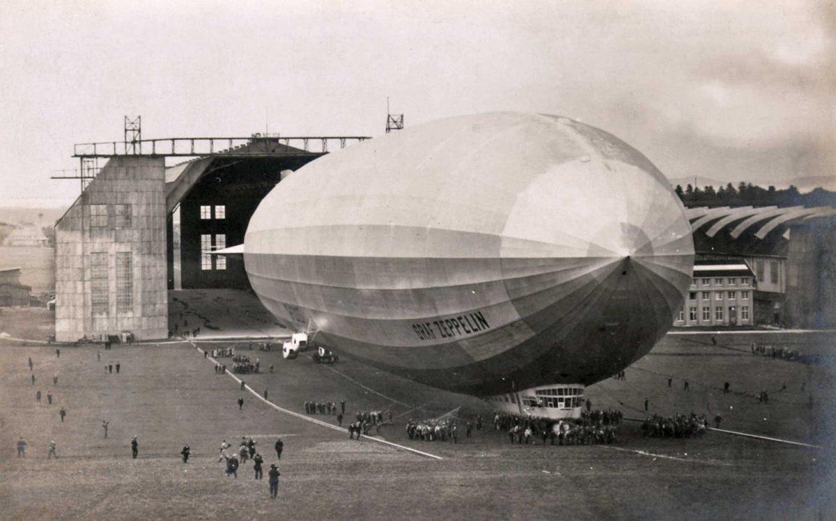 El Graf Zeppelin pasará a la historia tras realizar el primer vuelo alrededor del mundo.