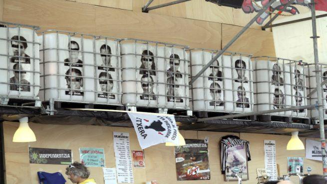 Dignidad y Justicia denuncia a las comparsas de Bilbao por exhibir fotos de presos de ETA