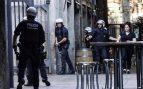 Un hombre apuñala a otro que le llamó la atención por orinar en la calle en Barcelona