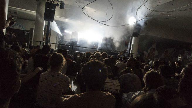Lawrence English en las 'Noches de Verano' de Caixaforum Barcelona. Foto: Patricia Nieto Madroñero