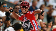 Chris Froome celebra efusivamente el triunfo en la etapa de la Vuelta. (EFE)