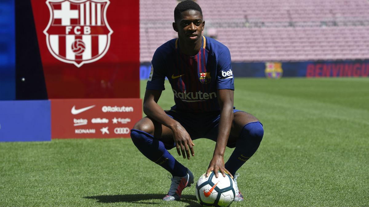 Dembélé posa en el Camp Nou. (AFP)