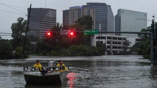 Ordenan evacuar las inmediaciones de una central química en Texas por riesgo de explosión