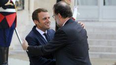El presidente francés, Emmanuel Macron, y el español, Mariano Rajoy, en el Palacio del Elíseo. (AFP)