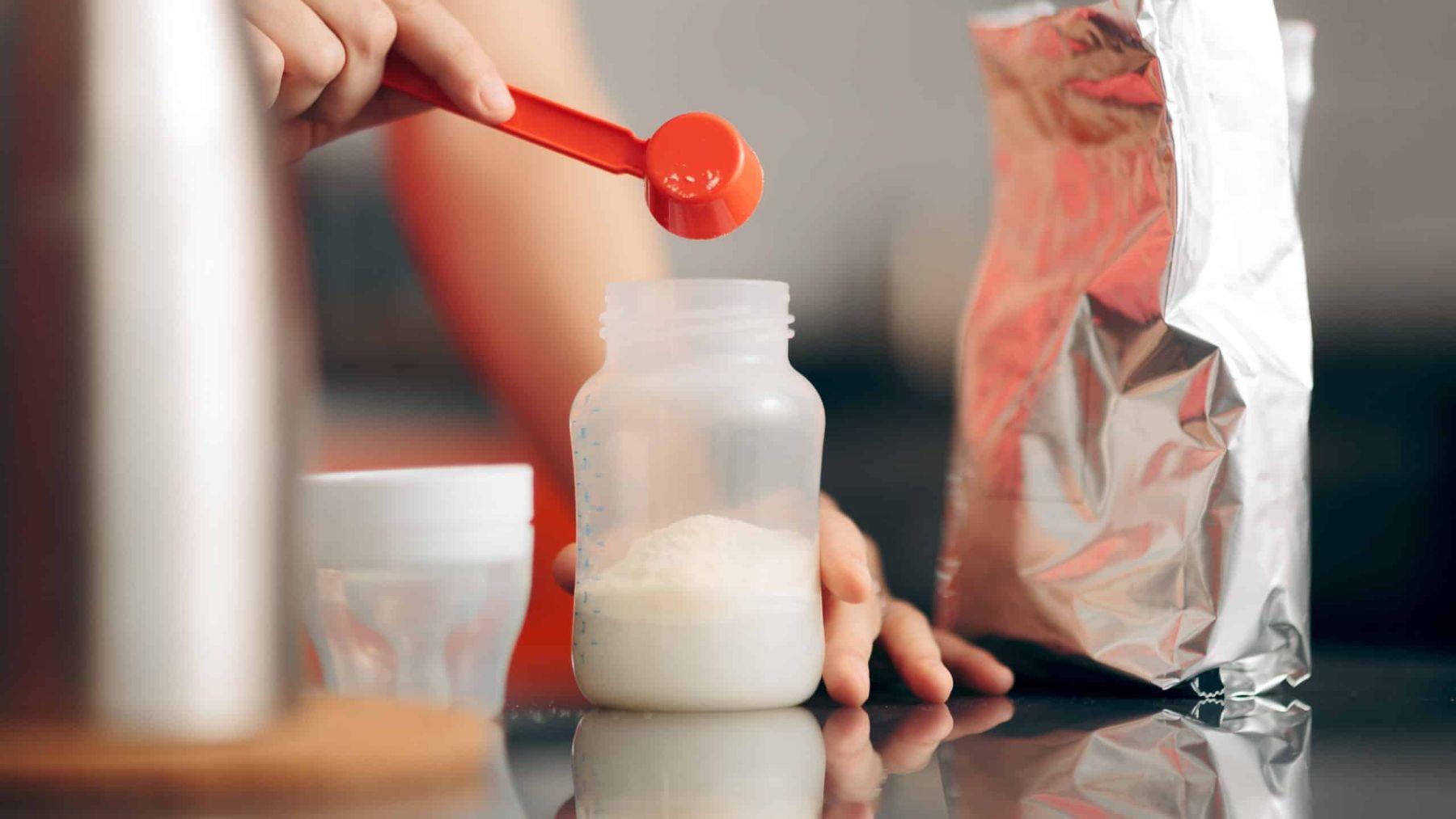 Descubramos qué es la leche de fórmula y qué tipos hay