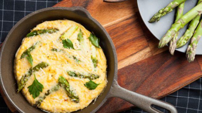 Tortilla de espárragos trigueros: receta fácil