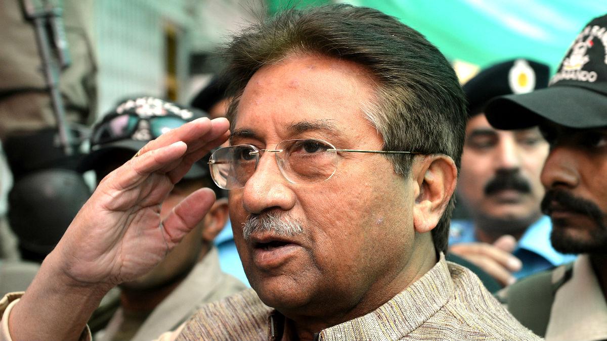 Musharraf escoltado por soldados en 2013 (Foto: AFP).