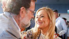 Mariano Rajoy y Cristina Cifuentes. (Foto: EFE)