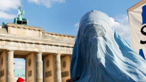 Una mujer con burka en Berlín (Foto: Getty).