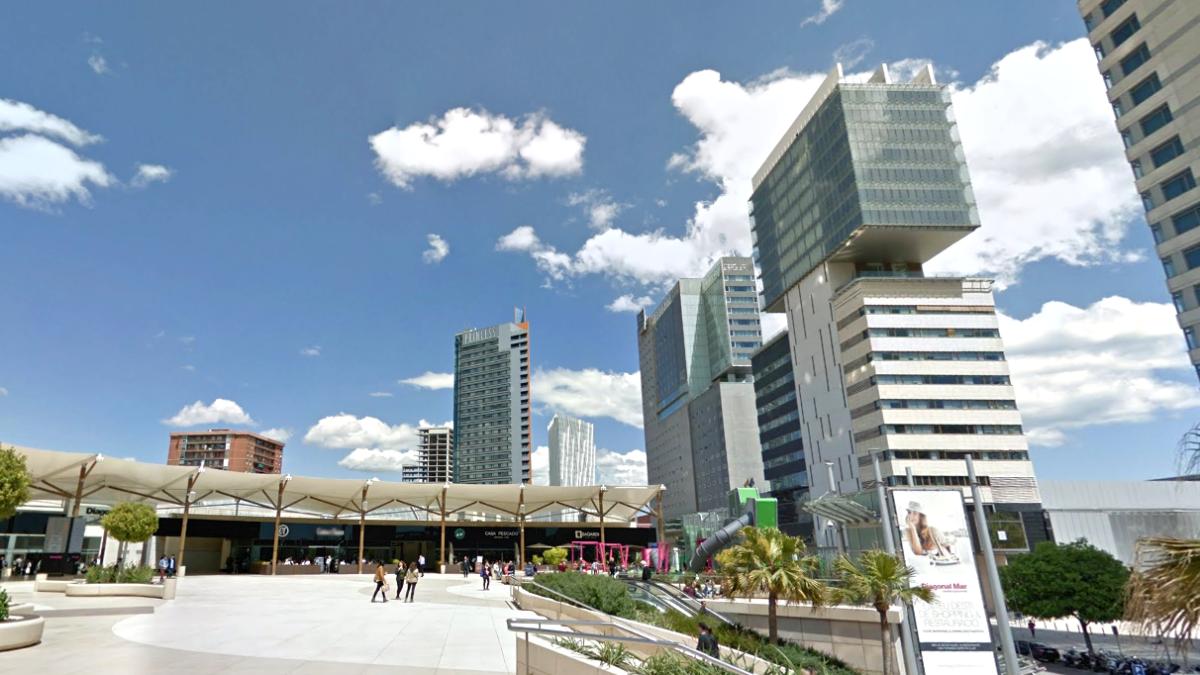 El centro comercial Diagonal Mar de Barcelona, situado junto a la avenida del mismo nombre.