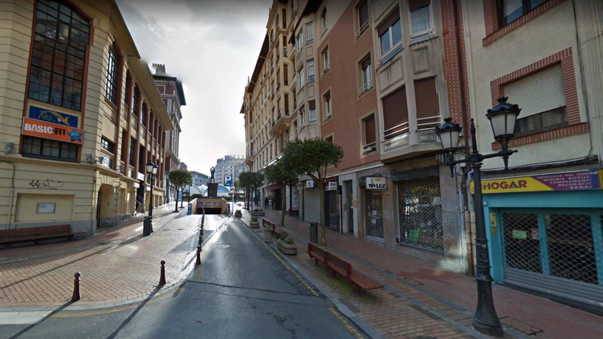 Una de las calles centrales de Baracaldo (Vizcaya).