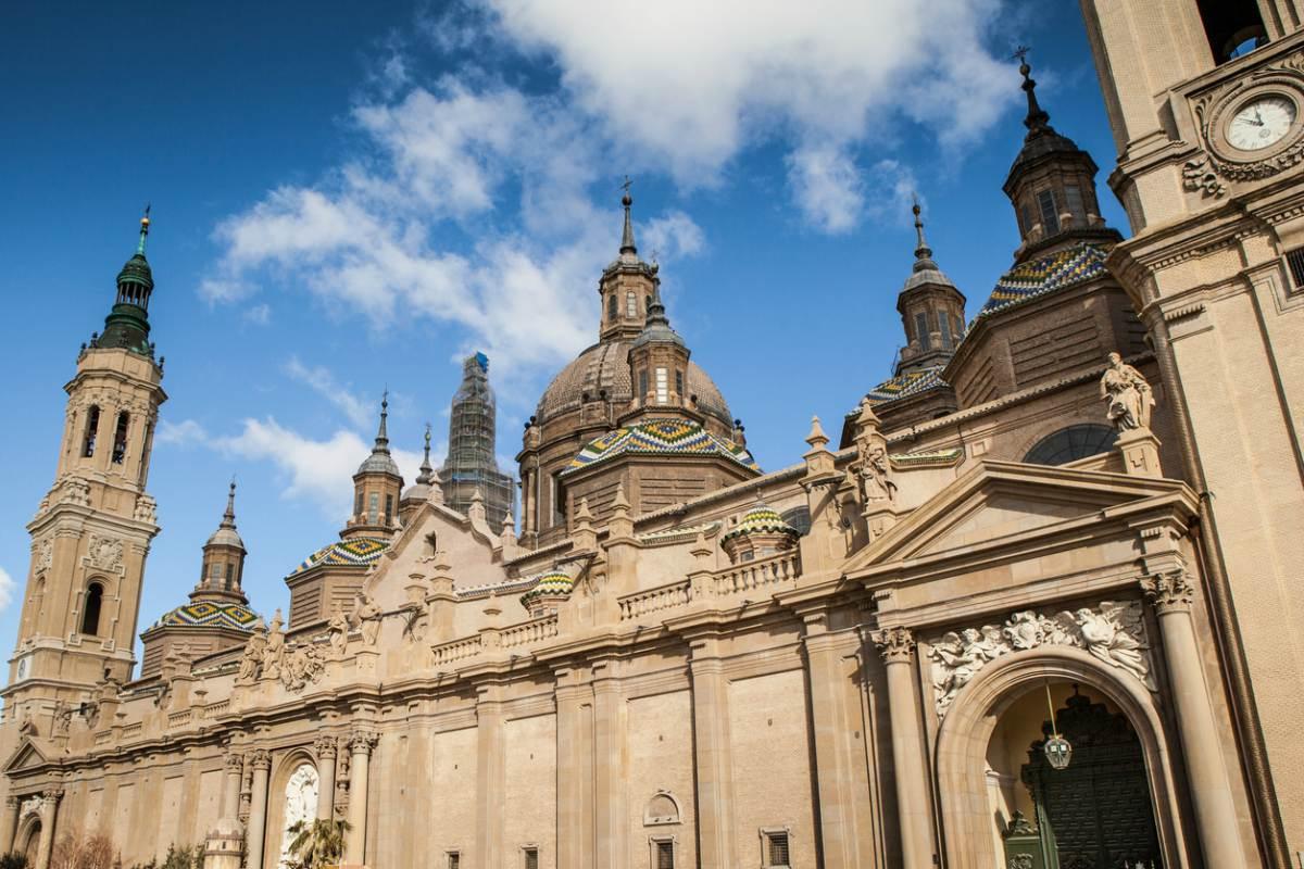 El Ayuntamiento de Zaragoza estudia incrementar la seguridad en Los Pilares.