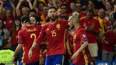 Los jugadores de la Selección Española celebran un gol. (AFP)