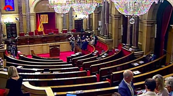 Así fue el pleno más tenso de la historia del Parlamento catalán