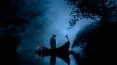 En la Mitología Griega, los muertos siempre eran incinerados con dos monedas en los ojos y una debajo de la lengua.