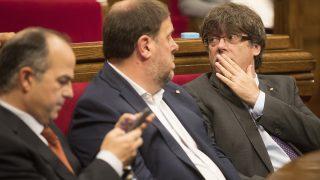 Carles Puigdemont, Oriol Junqueras y Jordi Turull. (Foto: EFE)