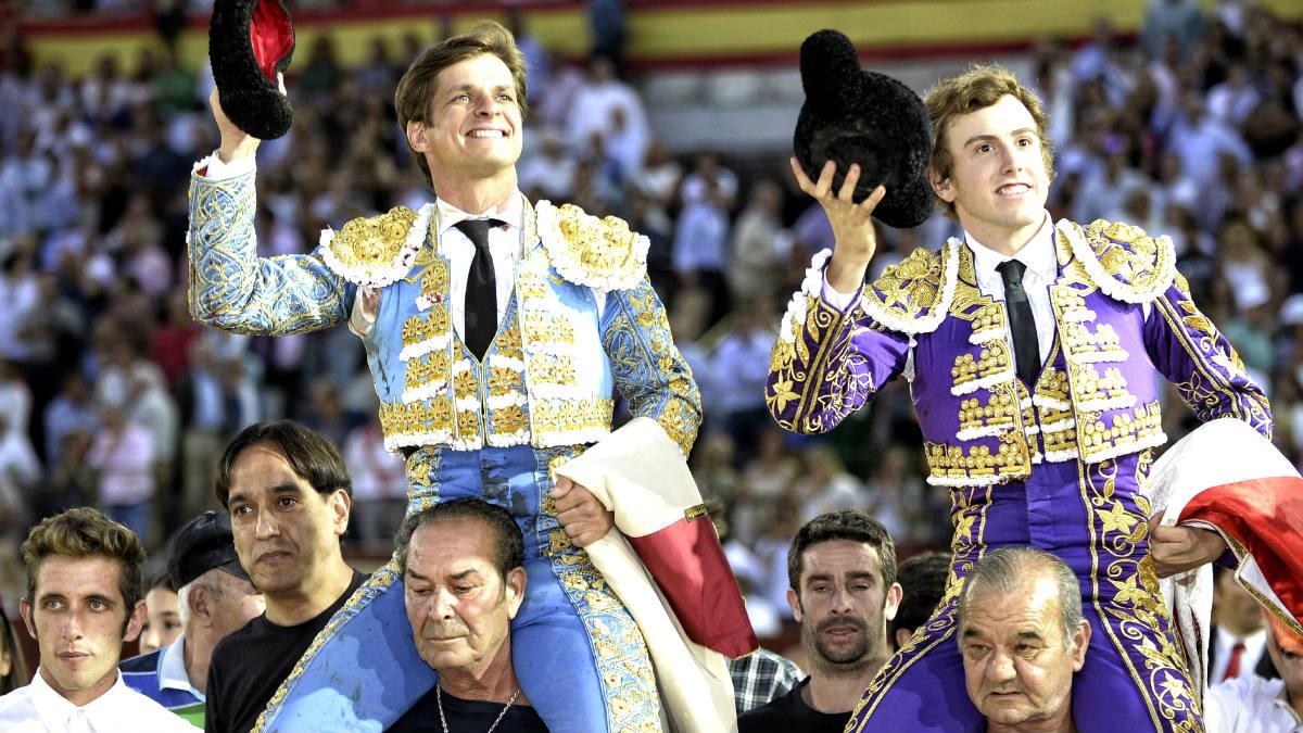 El Juli y Román Collado salen a hombros en Valladolid (Foto: Efe).