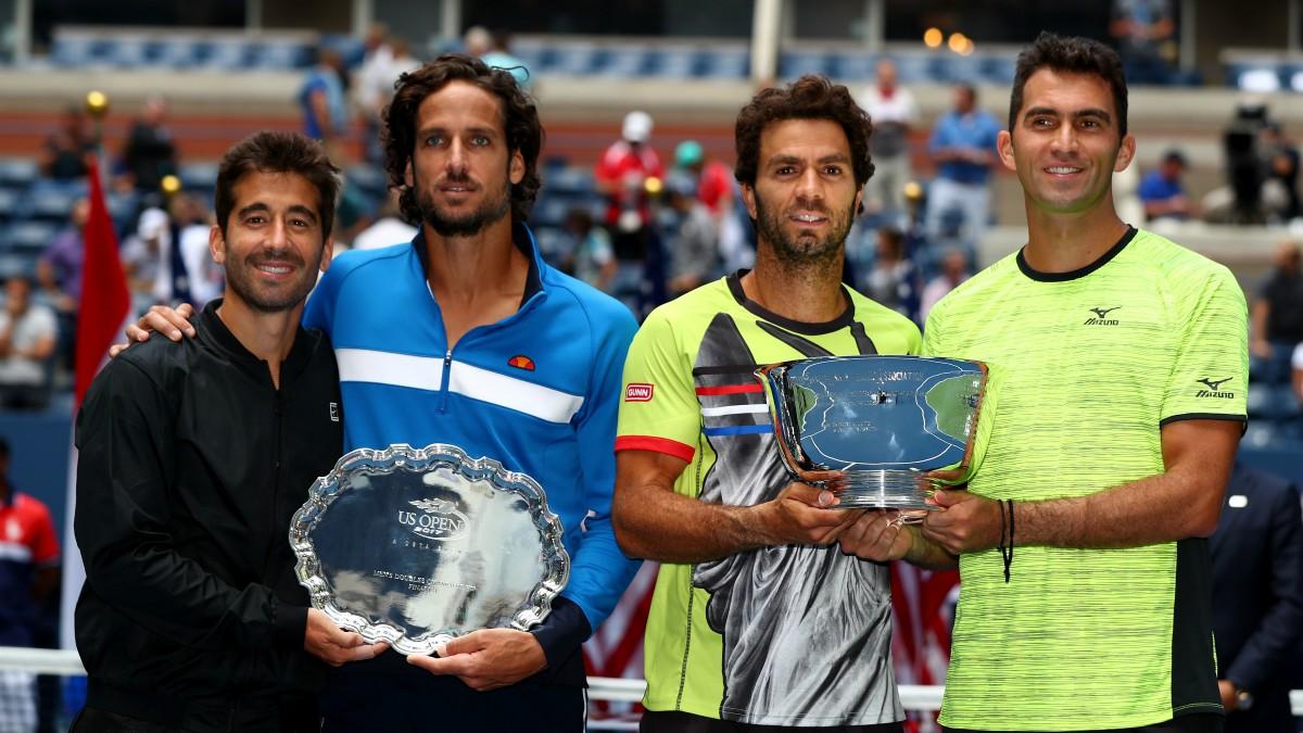 Marc y Feliciano posan con Rojer y Tecau. (AFP)