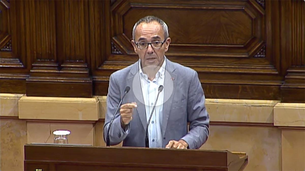 El representante de Catalunya Sí que es Pot, Joan Coscubiela, habla en el Parlament.